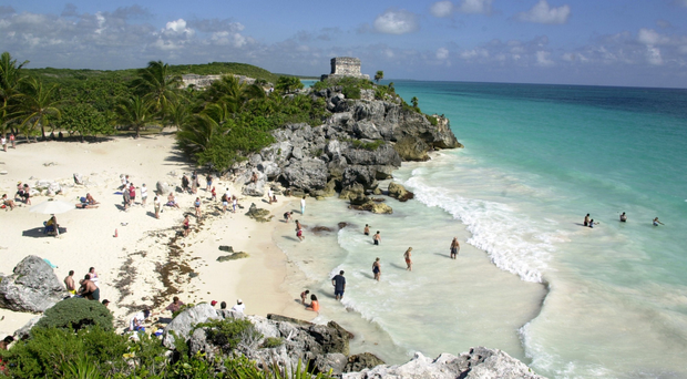 Holidaymakers in the Riviera Maya and other parts of Mexico have become ill with the serious food poisoning bug Cyclospora, believed to be in tainted food