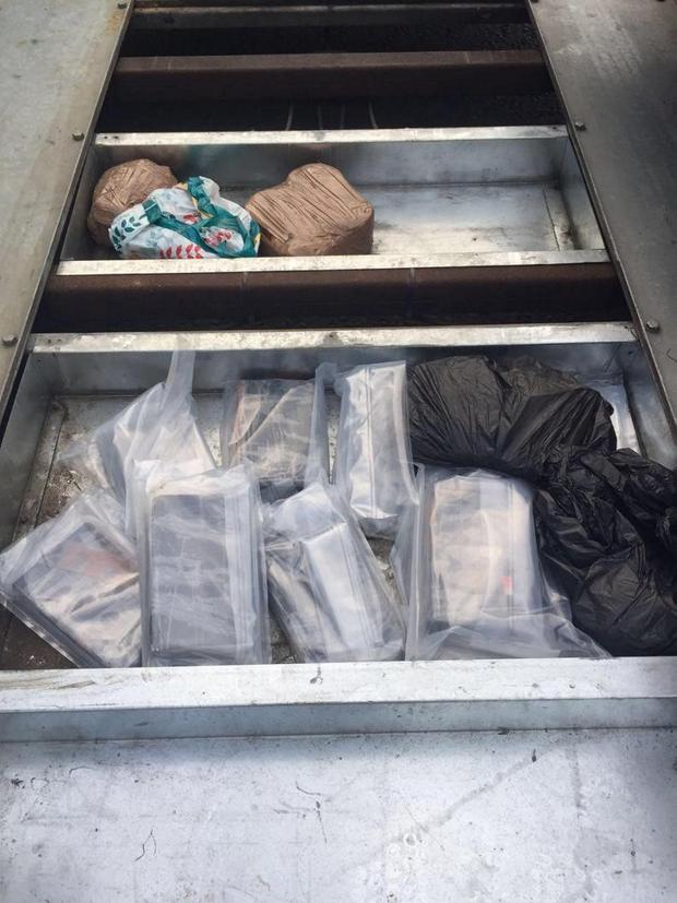 Detectives from Reactive and Organised Crime Branch have arrested a 28-year-old man and seized suspected cocaine with an estimated street value of £1.2 million after Police stopped a car on the West Bank Road in Belfast on Friday 23 September.
