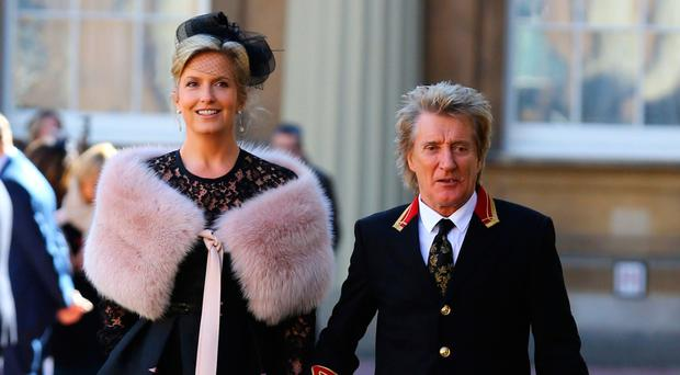 Rod Stewart delighted with knighthood but sad parents couldn