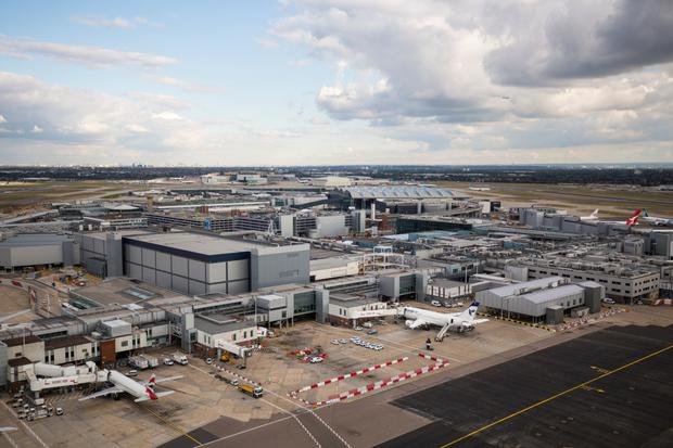UK to decide on new airport runway in crowded London