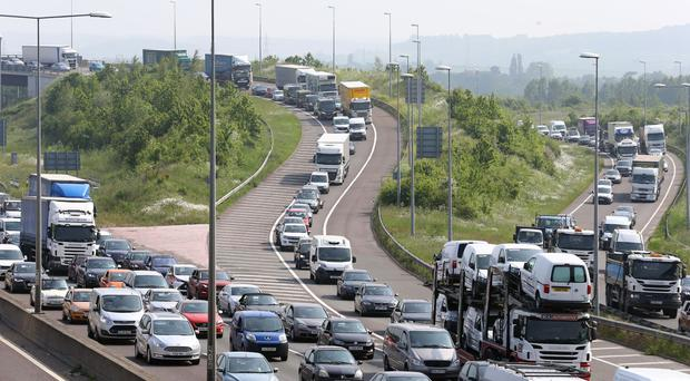 More people face long journeys to work, a TUC study shows