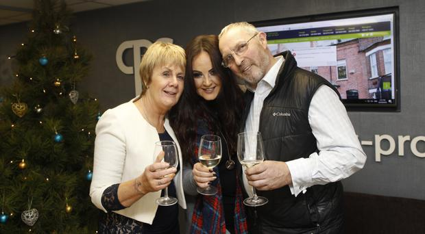 Laura Mone with mum Carmel and dad Brian