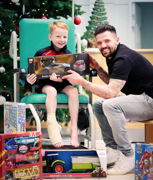 Nacho Novo with Benjamin Wells as he deliver gifts for kids in the Royal Hospital for Sick Children