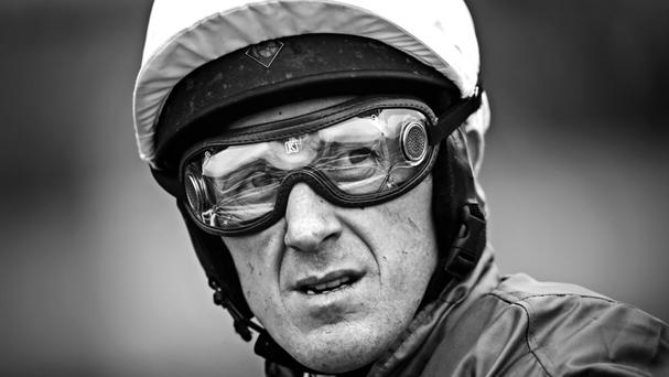 A statue of record-breaking jockey Sir Tony McCoy will be unveiled on the opening day of the Cheltenham Festival