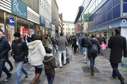 Shoppers stayed away from the high street last month, new figures suggest
