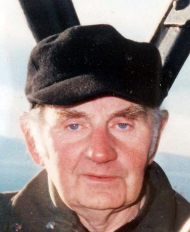 Tributes to lighthouse keeper Henry Henvey 'who lived 87