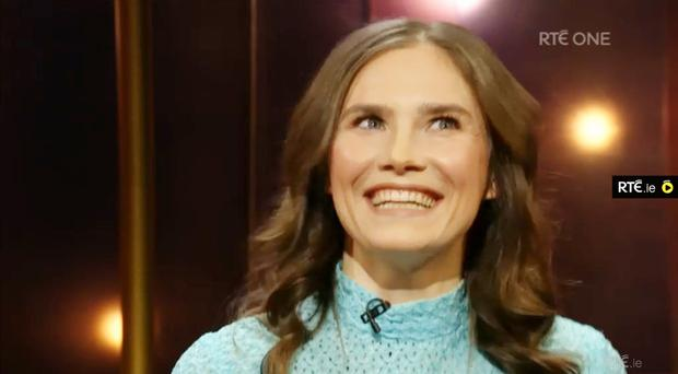 Amanda Knox stunned chat show presenter Ray D'Arcy by singing a chorus from the song Come Out Ye Black And Tans