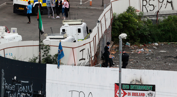 PSNI searches a derelict site in Londonderry's Meenan Square last week
