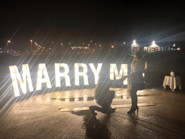 Tommy Patterson proposed to his girlfriend Rebecca Greer using a light up