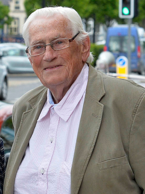 Former Deputy First Minister Seamus Mallon will address a Dublin church this afternoon at a special service marking the 20th anniversary of the Good Friday Agreement