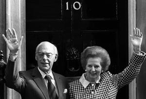 Library filer dated 04/05/1989 former Prime Minister Margaret Thatcher and her husband Denis on the doorstep of 10 Downing Street, London, ten years after they moved in, following the 1979 general election. Sir Denis died today in the Lister Hospital, London, a spokesman for the family said, Thursday June 26, 2003. He was 88. See PA story DEATH Thatcher. PA Photo.
