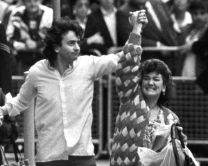 Gerry Conlon and his sister Ann outside the Old Bailey in London after his release in October 1989