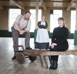 Claire Hall joins Eoghan Lamb and Hannah Carnegie to hear stories of Strand Spinning Mill