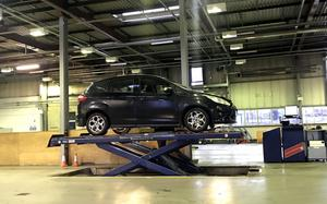 Most of the lifts at MoT centres have cracks