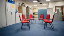 Empty chairs: AA meetings have to be virtual until the crisis is over