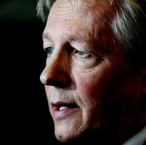 First Minister Peter Robinson says the Shackleton barracks site has potential to become a new economic hub for the north west