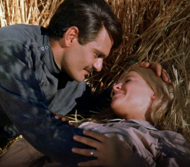 Omar Sharif in his greatest movie hit, Dr Zhivago, with co-star Julie Christie