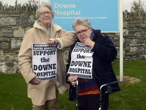 Protesters: Anne Shannon and her daughter Ceera yesterday