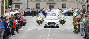 The hearse arrives in Ballaghaderreen in Co Roscommon (Michael McCormack/PA)