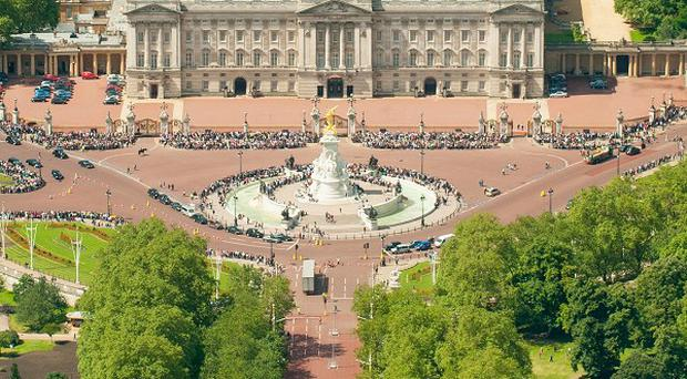 Tourism Ireland hopes the Queen will agree to turn Buckingham Palace green for St Patrick's Day