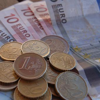 Siptu is backing the Government's plan to cut the public service pay and pensions bill by one billion euro