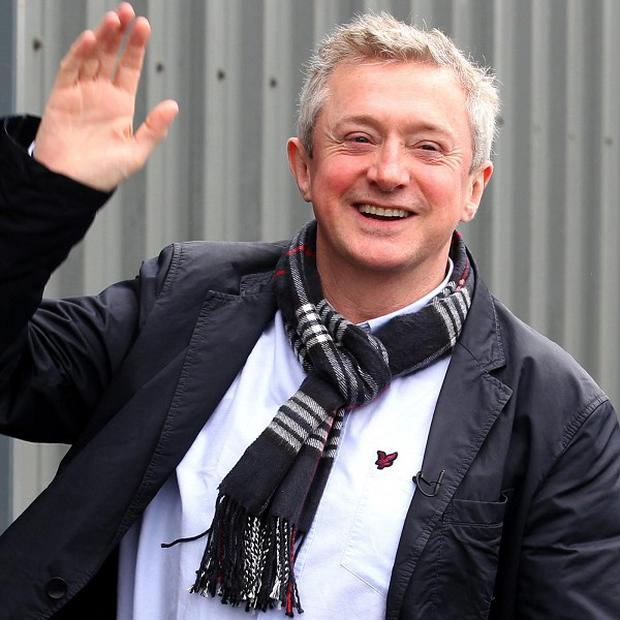 X Factor judge Louis Walsh has announced plans to form a new boy band to rival One Direction