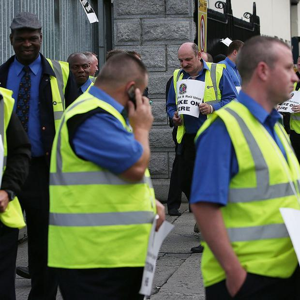 Dublin Bus drivers have rejected a proposed cost-cutting deal.