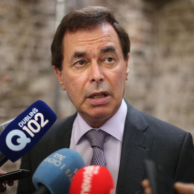 Justice Minister Alan Shatter has condemned a hate mail campaign targeting Muslim organisations.