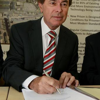 Justice Minister Alan Shatter has asked for a report into claims the Garda Ombudsman was bugged