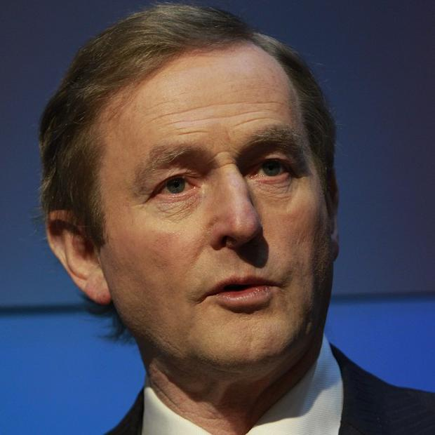 Taoiseach Enda Kenny has told the Dail that the confidential 'go-between' for Garda whistleblowers has been sacked