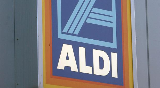 Adverts claiming that shoppers can save by switching to Aldi have been banned for a second time after Tesco complained that the discounter's price comparisons were flawed