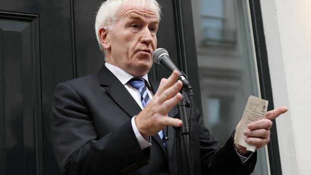 Minister for the Diaspora Jimmy Deenihan is concerned over RTE's plans for its longwave broadcast