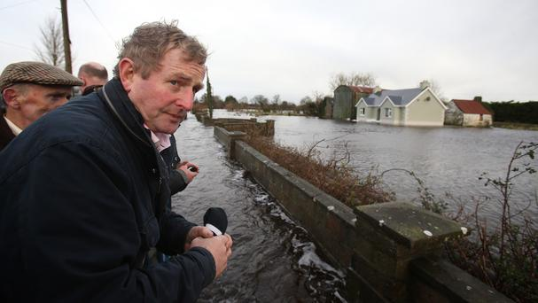Taoiseach Enda Kenny toured flood-hit areas in Carrickobrien