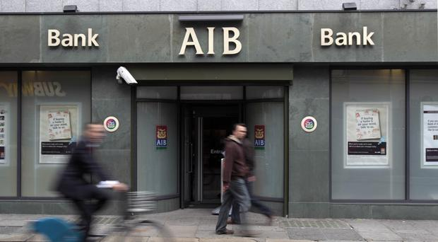 A quarter of Allied Irish Banks is to be sold off by the Government