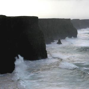 Man fighting for his life after Cliffs of Moher parachute jump goes tragically wrong