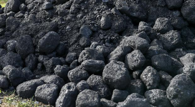 The burning of coal and peat should end to help cut emissions, state advisers said