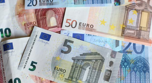 The average sum of money stolen in Ireland by fraudsters is 1,000 euro, a survey found