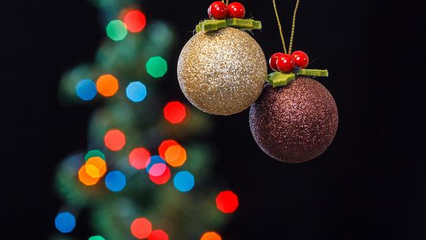 Regulatory alignment ... No regulatory divergence ... Regulatory alignment ... No regulatory divergence ... Regulatory alignment ... After days of falling in and out of hypnotic comas due to last week's Brexit furore, I've only realised that there are just 12 days to Christmas. (stock photo)