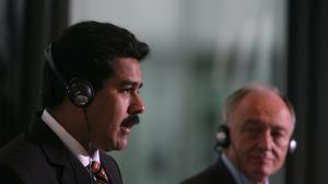 Nicolas Maduro with then mayor of London Ken Livingstone in 2007 (Johnny Green/PA)