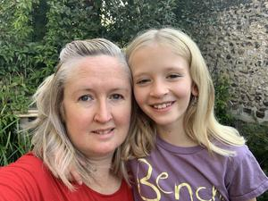 Moz Bulbeck Reynolds and her daughter Matilda, who are urgently seeking a test (Moz Bulbeck Reynolds)