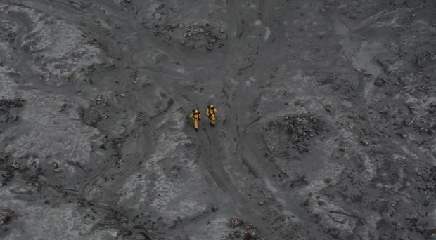 An operation to recover bodies from White Island after a volcanic eruption on Monday (New Zealand Defence Force/PA)