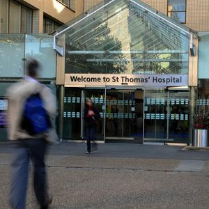 A man infected with a Sars-like respiratory illness has died, officials at St Thomas' Hospital confirmed