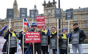 Anti-Brexit protesters were in attendance as well (Yui Mok/PA)