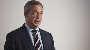 Insurance guru Arron Banks, who has previously given money to the Conservatives, is to present Ukip leader Nigel Farage with a cheque for £100,000