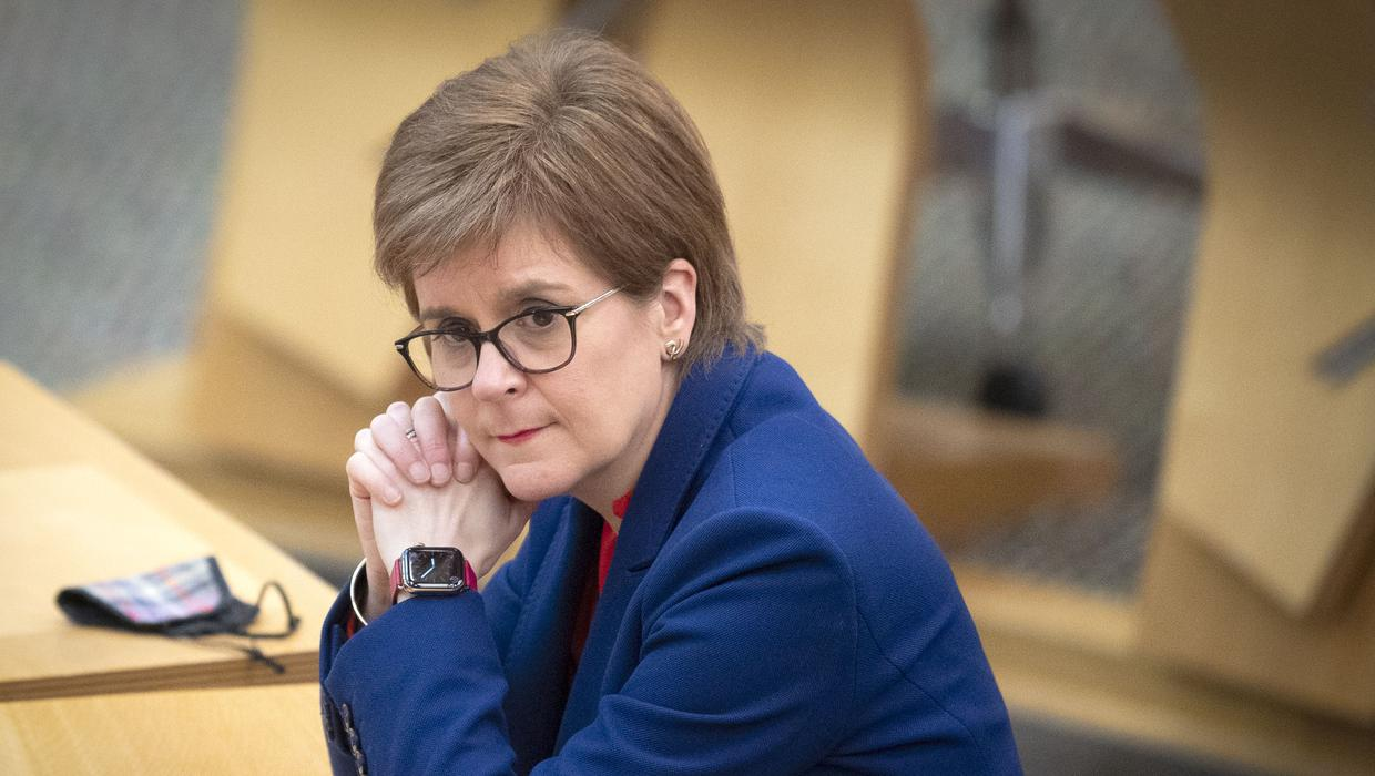 Tories urge Nicola Sturgeon to resign after Salmond case legal advice published