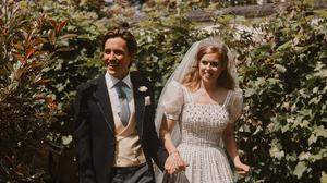 Princess Beatrice and Edoardo Mapelli Mozzi in the grounds of the Royal Lodge after their wedding. (Benjamin Wheeler/PA Wire)