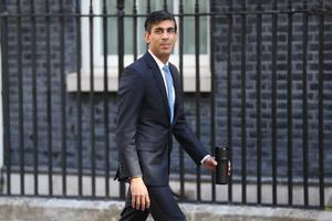 Rishi Sunak says ministers, not scientists, will decide on easing the two-metre rule (Jonathan Brady/PA)