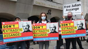 'Don't Extradite Assange' protesters outside the Old Bailey (Stefan Rousseau/PA)