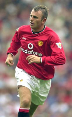 Ronnie Wallwork playing for Manchester United in August 2000 (Rui Vieira/PA)
