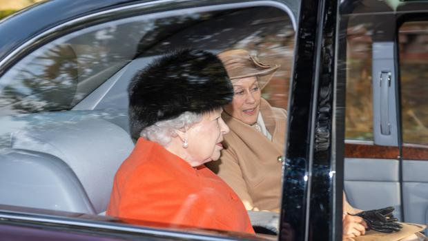 The Queen with opera singer Dame Kiri Te Kanawa (Joe Giddens/PA)